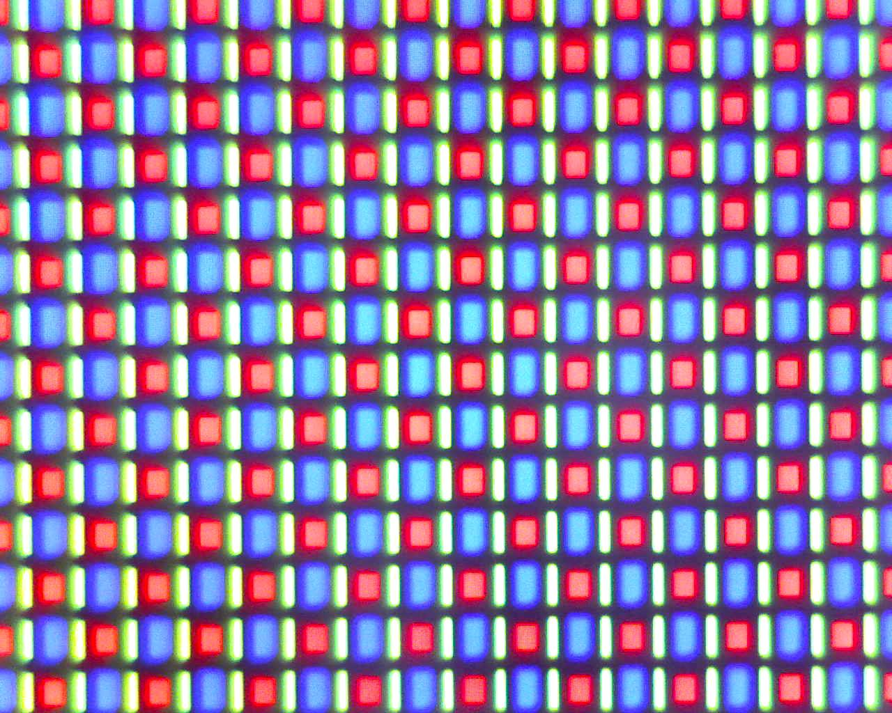 Nexus One's AMOLED screen under the microscope (High magnification)